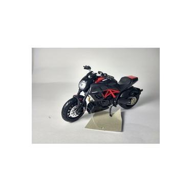 Imagem de Miniatura Moto Esportiva Ducati Diavel Carbon Escala 1:18!
