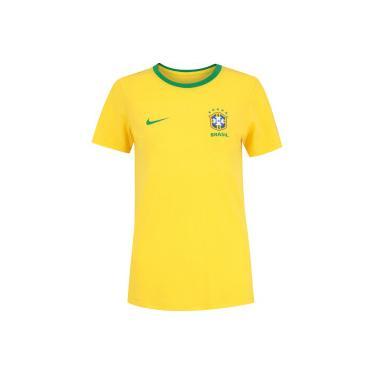 Camiseta da Seleção Brasileira 2018 Crest Nike - Feminina - Amarelo Verde  Nike f315f4c9aa07d