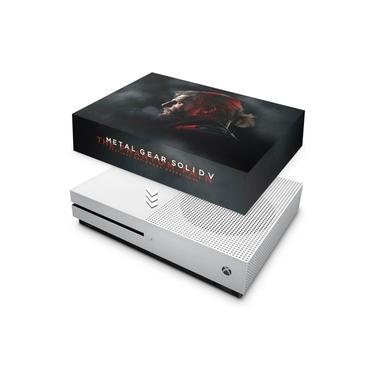 Capa Anti Poeira para Xbox One S Slim - Metal Gear Solid 5: The Phantom Pain