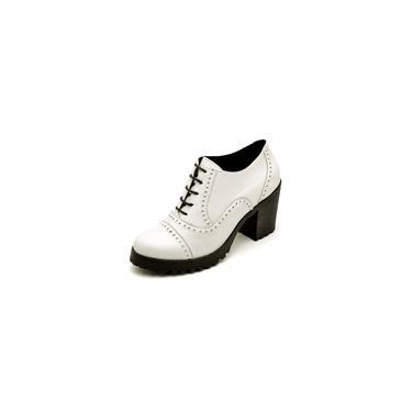 Imagem de Bota Ankle Boot Feminina Cano Curto Tratorada Oxford Q&A Calçados Branco