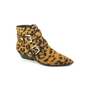 Bota Feminina Cano Curto Salto Baixo Bico Fino Carrano Pelo Leopardo 131404