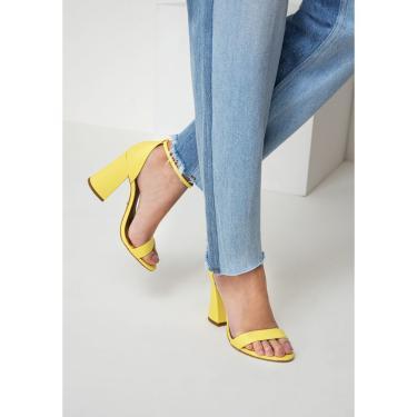 Sandália de Tiras Lança Perfume Sandalia Amarelo  feminino