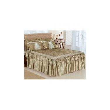 fd00b92ee9 Colcha Casal Queen Lisboa 03 Peças Tecido Cetim e Porta Travesseiros com  Detalhes em Voil -