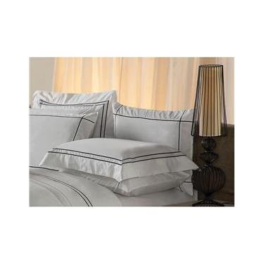 Imagem de Fronha Premium Har Plumasul 230 fios 50x90 cm – Branco com Bordado Preto